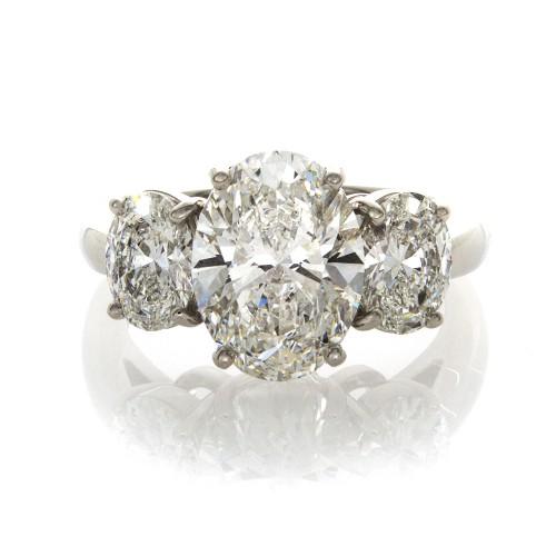 OVAL DIAMOND 3.01 CT