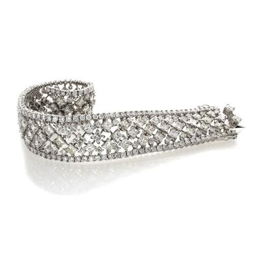 PRINCESS DIAMOND BRACELET
