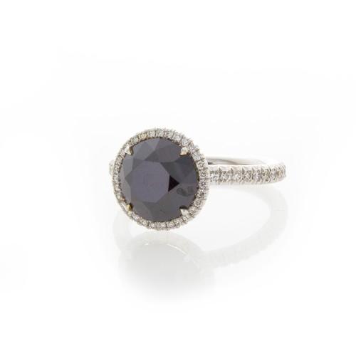 BRILLIANT BLACK DIAMOND 3.18 CT