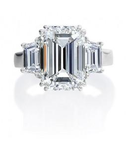 EMERALD CUT AND TRAPEZOID DIAMOND RING