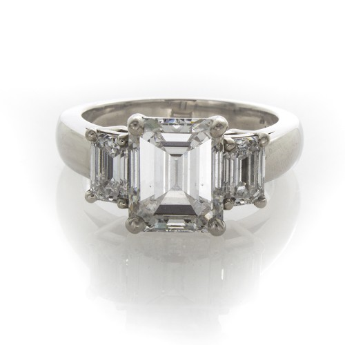 EMERALD CUT 3.05 CT