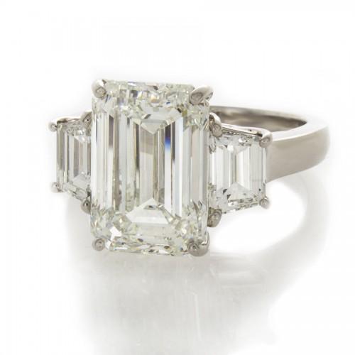 EMERALD CUT DIAMOND 6.01 CT