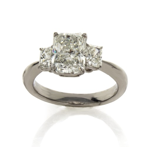 RADIANT CUT DIAMOND 2.03 CT