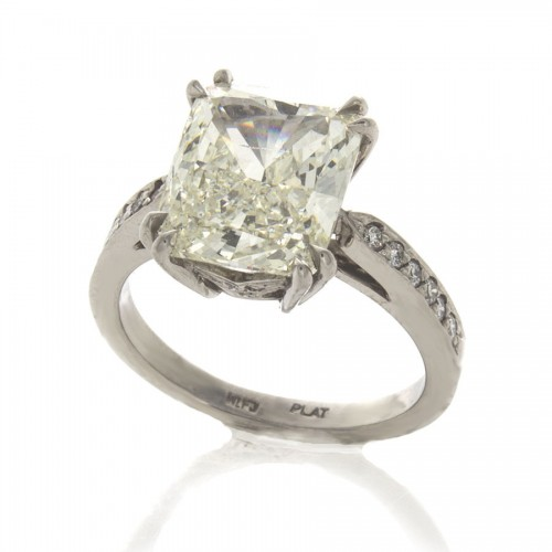 CUSHION CUT DIAMOND 4.15 CT