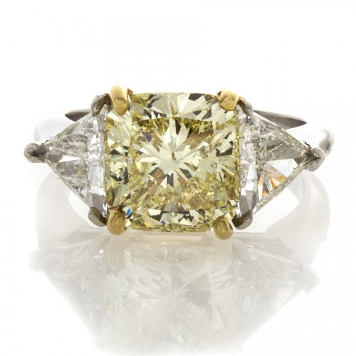 FANCY YELLOW CUSHION CUT 4.19 CT