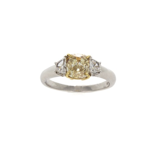 CUSHION LIGHT YELLOW DIAMOND 1.22 CT