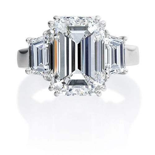 EMERALD CUT AND TRAPEZOID DIAMOND RING